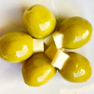 aceitunas rellenas de queso para comprar en mercadillo