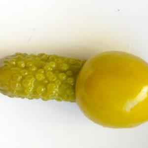 olivas con pepinillo