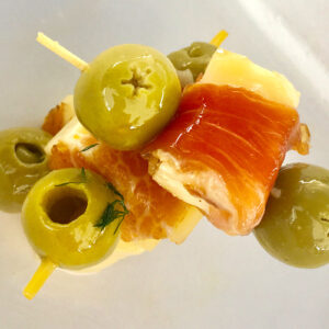 brochetas de jamón serrano y queso aperitivo gourmet