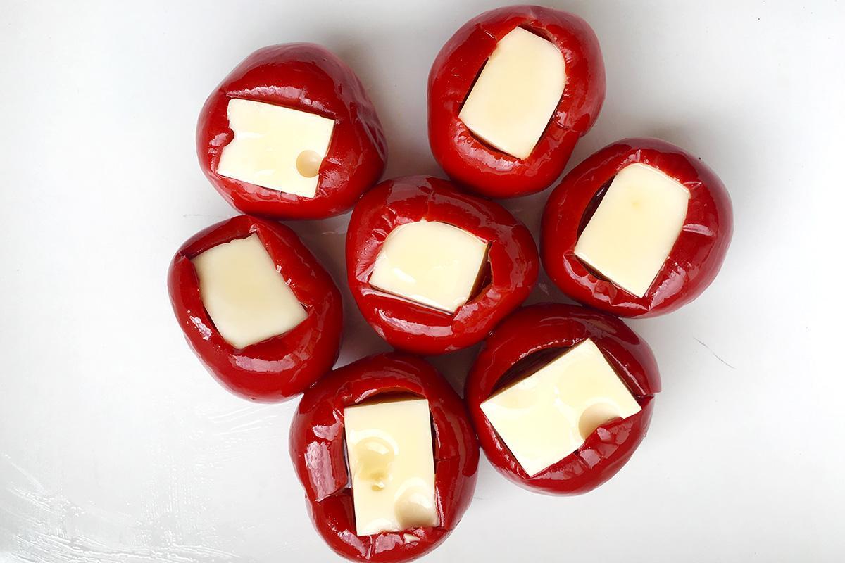 deliciosos pimientos rellenos de queso