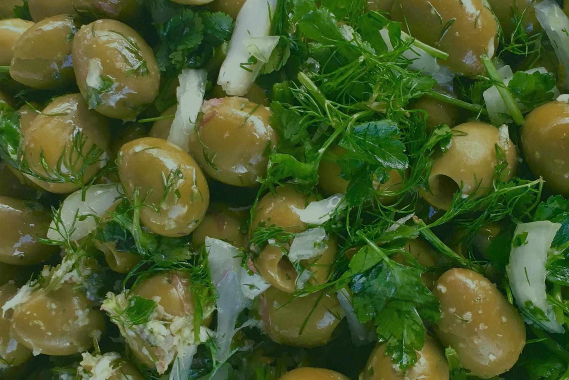aceitunas lorente con salsa