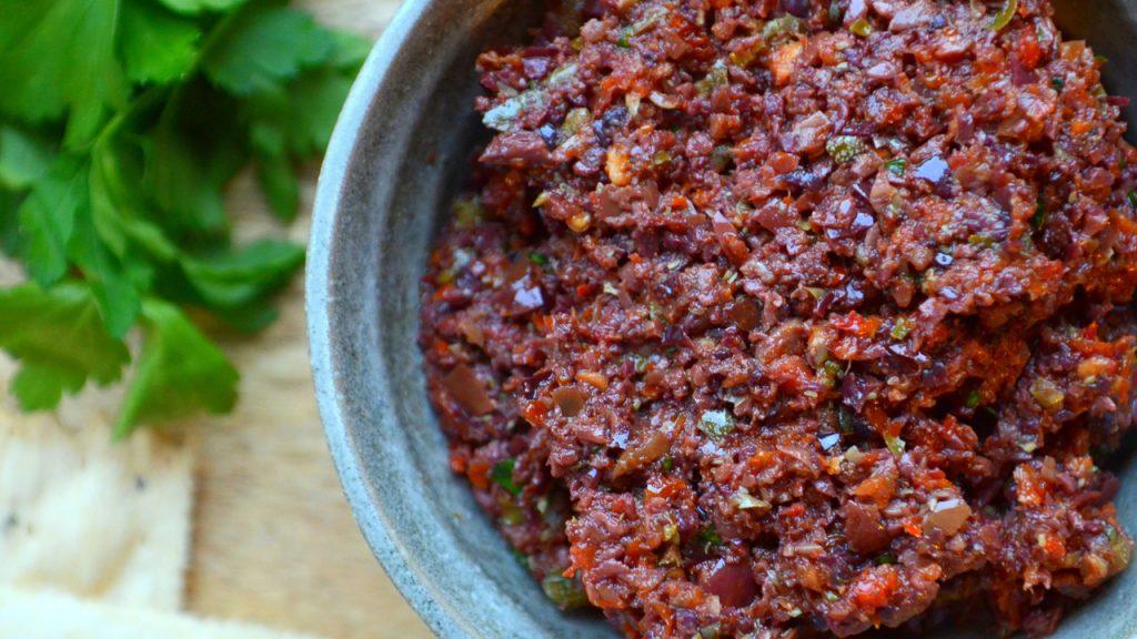 tapenade con aceitunas y tomate seco